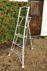 Tripod Garden Ladders with built-in Platform by Henchman - 1.8m.